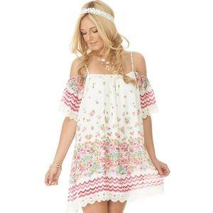 2tee couture Amanda dress pink floral & Chevron Sh